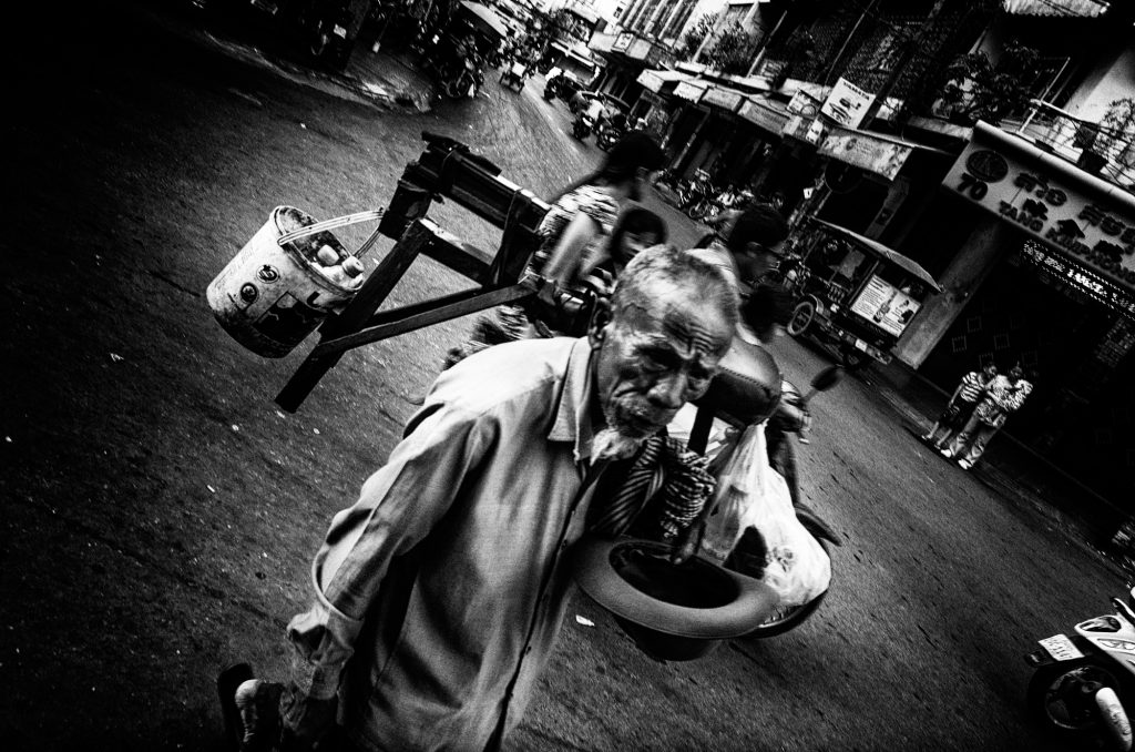 street photography street of phnom penh old man